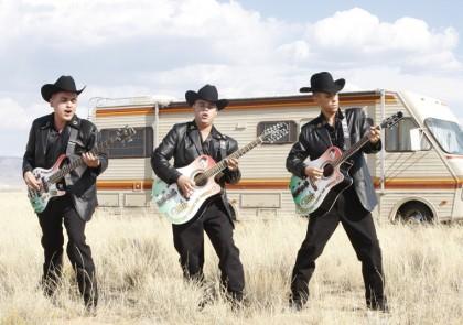 "Los Cuates de Sinaloa playing ""Negro Y Azul: The Ballad of Heisenberg."" via http://breakingbad.wikia.com/wiki/Negro_y_Azul:_The_Ballad_of_Heisenberg"